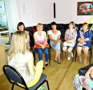 тренинг для родителей проводит педагог-психолог О.Брыксина